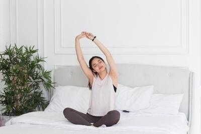 疲れが取れない!不眠を解消するヨガ|NOA ONLINE YOGA &FITNESS
