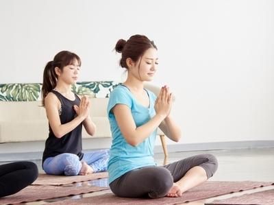 ヨガの呼吸法の効果とは|NOA ONLINE YOGA &FITNESS