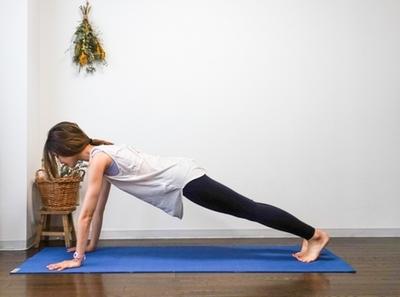 ヨガで体幹を鍛えよう!始めやすい簡単ポーズ|NOA ONLINE YOGA & FITNESS【ボディメイク・体幹】